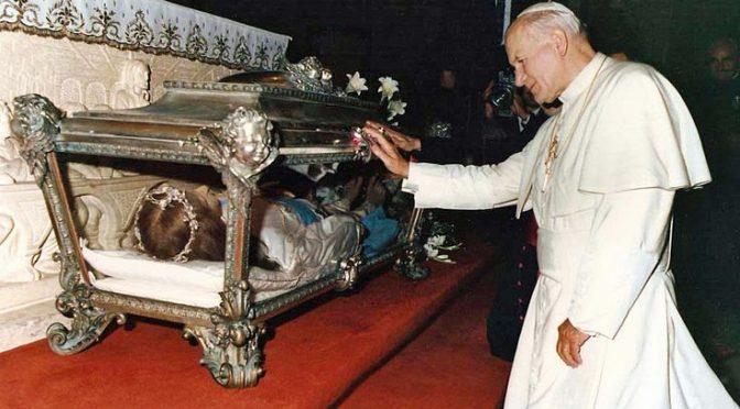 Todos estamos invitados a mirar la figura de Santa María Goretti.